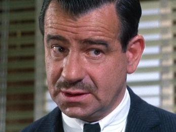 Walter_Matthau_in_Charade_2